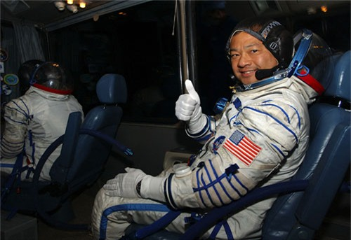 Đến bất kì đâu trên Trái đất trong vòng 60 phút với tên lửa của Elon Musk - 1