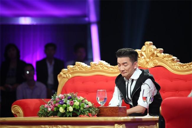 Dam Vinh Hung: 'Chi co Hoai Linh moi co quyen danh toi' hinh anh 1