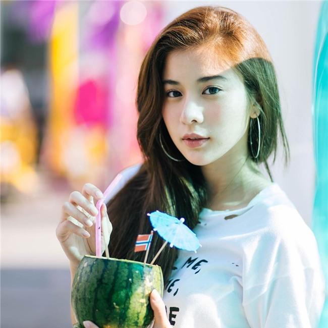 Nhỏ xinh nhưng lợi hại, đây là món phụ kiện nâng tầm nhan sắc và phong cách đang được các hot girl Việt diện hoài không chán - Ảnh 9.