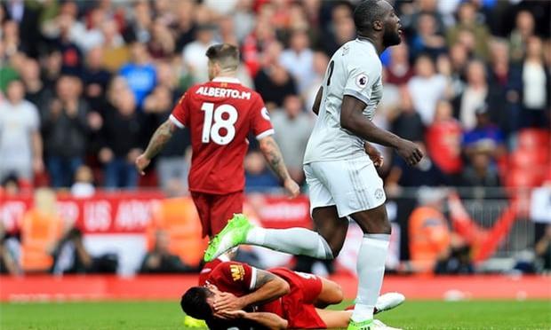 Lukaku bi cao buoc co tinh da vao mat hau ve Liverpool hinh anh 1