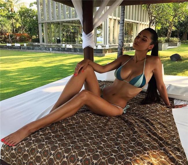 Ronaldo mai mối cho James Rodriguez và người mẫu Nga nóng bỏng - Ảnh 7.