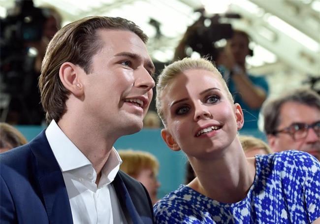 Tân Thủ tướng Áo tài giỏi đẹp trai và chuyện tình 13 năm được tiết lộ khiến các nàng mộng mơ hết hy vọng - Ảnh 7.