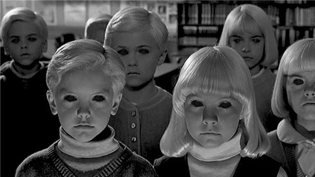 Đám trẻ mắt đen: Câu chuyện rùng rợn đêm Halloween để dọa trẻ em hay cơn ác mộng có thật? - Ảnh 1.