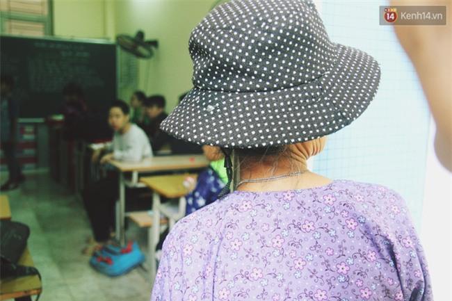 Bà giáo già 74 tuổi mở lớp học cho những đứa trẻ đặc biệt được bầu bạn với nhau - Ảnh 4.