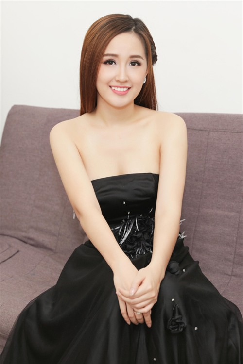 Clip khả năng tiếng Anh của Hoa hậu Mai Phương Thúy: Trả lời phỏng vấn cực trôi chảy trên đài CBS (Mỹ)! - Ảnh 4.