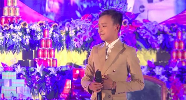 Clip: Chưa đầy 2 năm, Hồ Văn Cường Idol Kids đã lột xác từ ngoại hình đến giọng hát một cách rõ rệt - Ảnh 5.