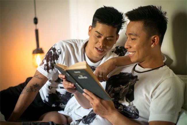 Vượt rào cản tâm lý, loạt sao nam đình đám showbiz Việt không ngại công khai đồng tính-10