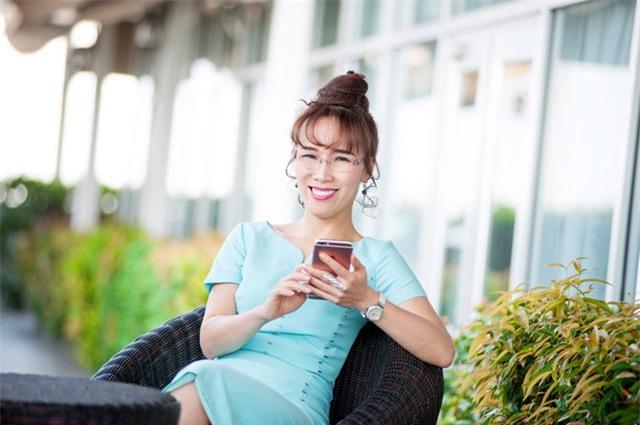 ngày 20/10,phụ nữ Việt Nam,nữ doanh nhân,nữ tỷ phú,thương hiệu việt,tỷ phú USD,hàng không giá rẻ,ngân hàng,M&A