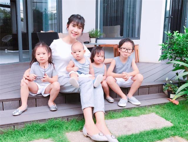 Minh Hà và các con