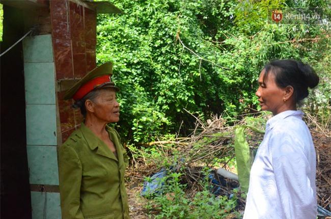 Chuyện bà cựu trung tá công an sống một mình trong bãi tha ma suốt 14 năm để chăm mộ bố mẹ - Ảnh 6.