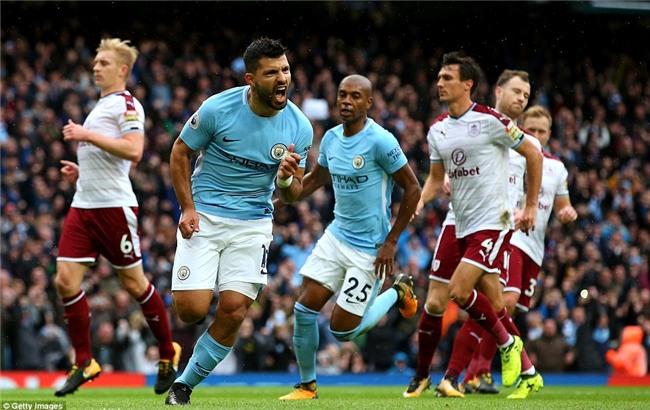 Aguero đi vào lịch sử, Man City nới rộng cách biệt với Man Utd lên 5 điểm - Ảnh 3.