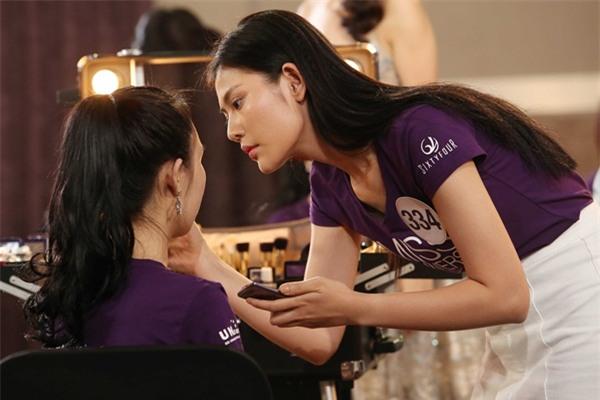 Sau 3 tập thất bại, Hoàng Thùy và Mâu Thủy có chiến thắng đầu tiên tại Hoa hậu Hoàn vũ Việt Nam-4