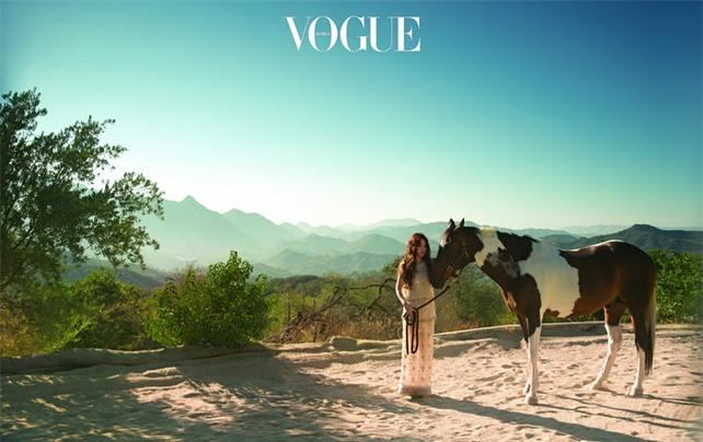 Clip hot: Cô dâu tháng 10 Song Hye Kyo đội khăn voan cực đẹp, đeo nhẫn kim cương ngón áp út chụp hình tại Mỹ - Ảnh 20.