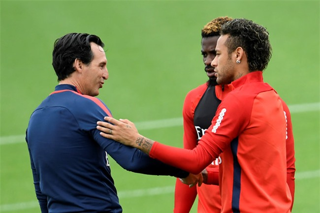 Neymar lam loan, cai HLV Emery hinh anh 2