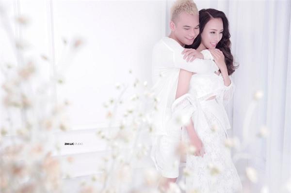 Lịm tim với video toàn cảnh Khắc Việt quỳ gối cầu hôn bạn gái-4