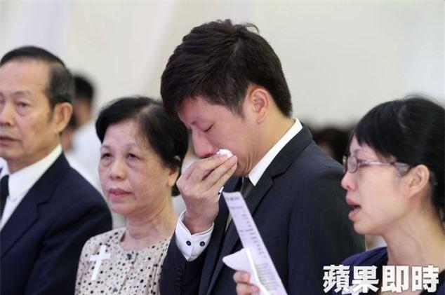 Đám cưới trở thành đám tang sau cái chết bi kịch của cô dâu: Kiếp sau anh mong mình vẫn sẽ là vợ chồng - Ảnh 5.