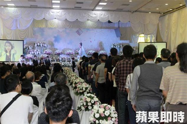 Đám cưới trở thành đám tang sau cái chết bi kịch của cô dâu: Kiếp sau anh mong mình vẫn sẽ là vợ chồng - Ảnh 8.