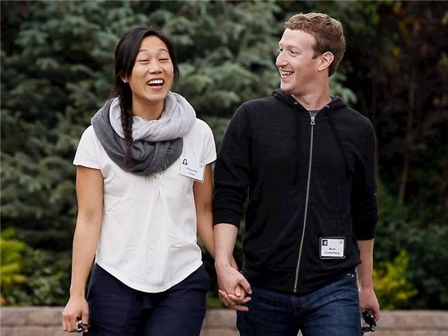Vợ chồng ông chủ Facebook tiêu tiền như thế nào? - 14