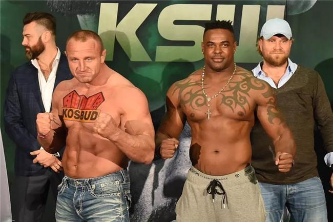 """Người khỏe nhất hành tinh """"nghiền nát"""" cựu võ sĩ UFC - Ảnh 2."""