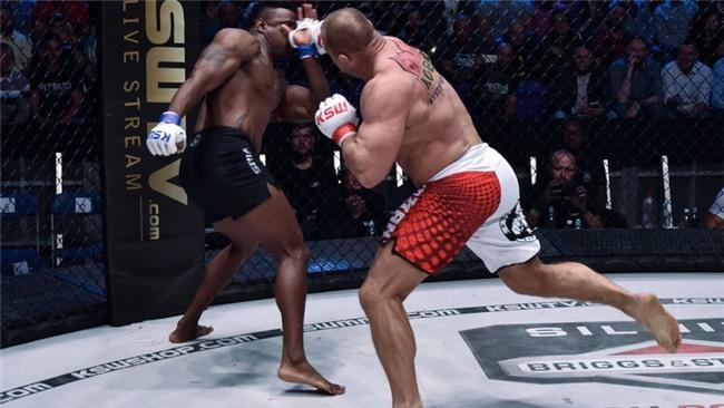 """Người khỏe nhất hành tinh """"nghiền nát"""" cựu võ sĩ UFC - Ảnh 4."""