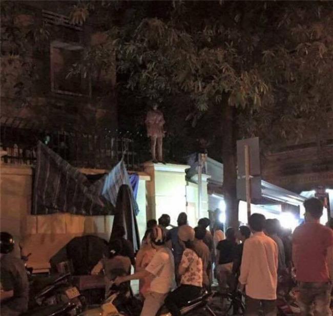 Thực hư sự việc cô gái mặc váy treo cổ tự tử tại trường học ở Nha Trang giữa đêm - Ảnh 2.