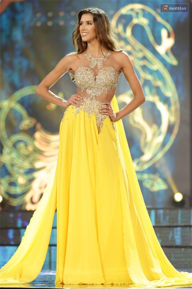 Miss Grand International: Huyền My đánh bọng mắt quầng thâm khó hiểu, nhiều thí sinh chọn trang phục thực sự lỗi - Ảnh 4.