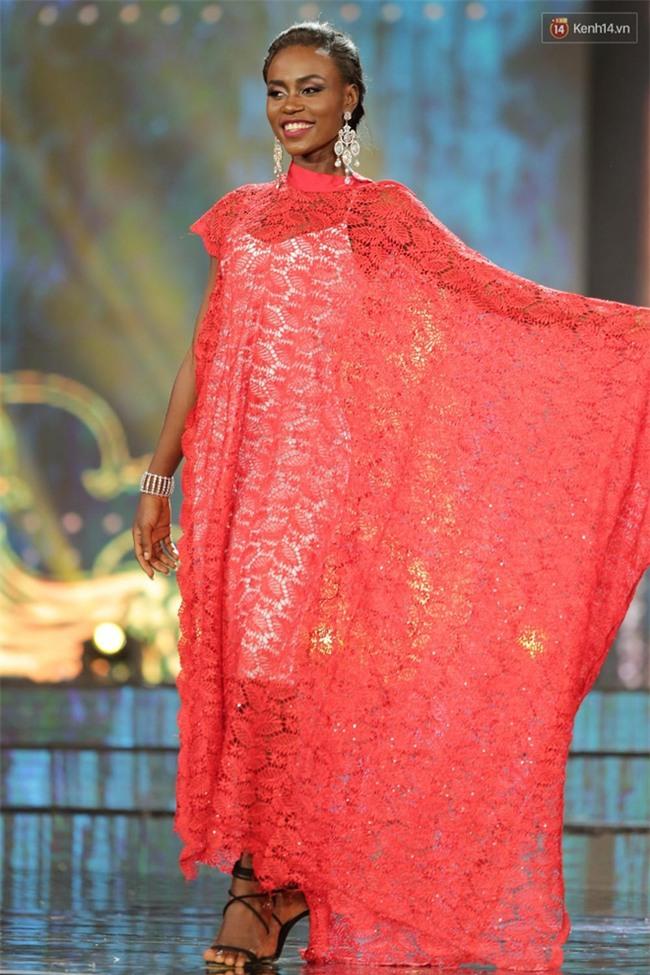 Miss Grand International: Huyền My đánh bọng mắt quầng thâm khó hiểu, nhiều thí sinh chọn trang phục thực sự lỗi - Ảnh 5.
