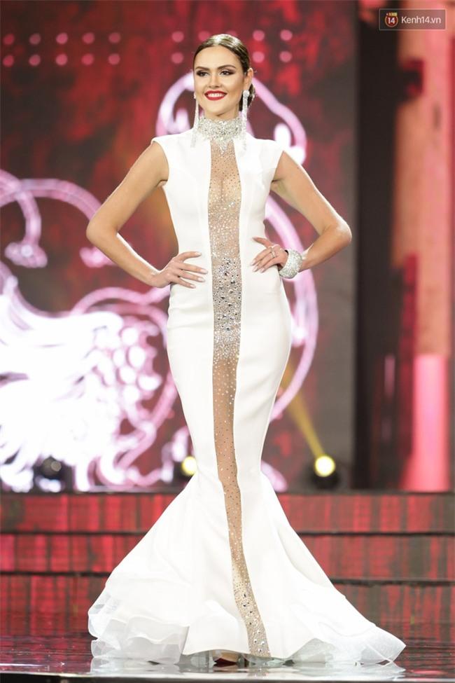 Miss Grand International: Huyền My đánh bọng mắt quầng thâm khó hiểu, nhiều thí sinh chọn trang phục thực sự lỗi - Ảnh 6.
