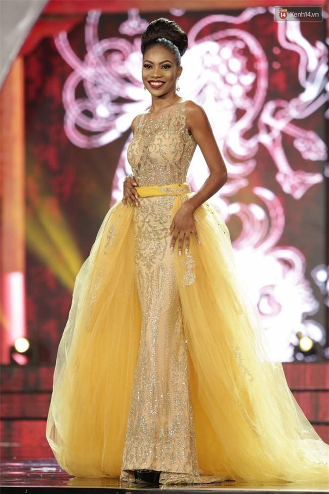 Miss Grand International: Huyền My đánh bọng mắt quầng thâm khó hiểu, nhiều thí sinh chọn trang phục thực sự lỗi - Ảnh 9.