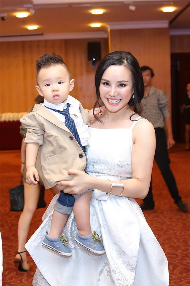 Vy Oanh: Nói chồng tôi là doanh nghiệp trung bình sao còn đeo bám phá hoại'-3