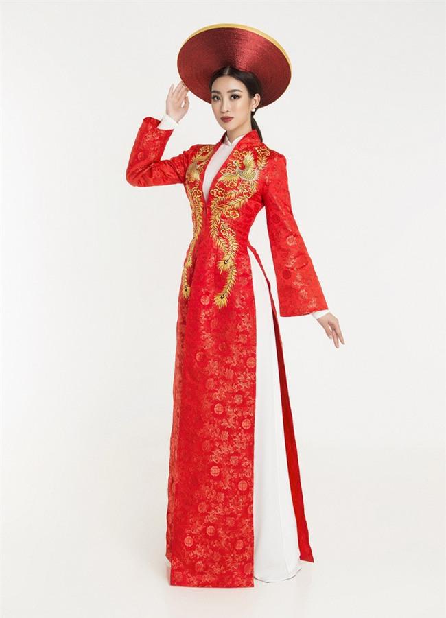 Hoa hậu Đỗ Mỹ Linh tự tin độc tấu đàn bầu trong phần thi tài năng tại Miss World 2017 - Ảnh 2.