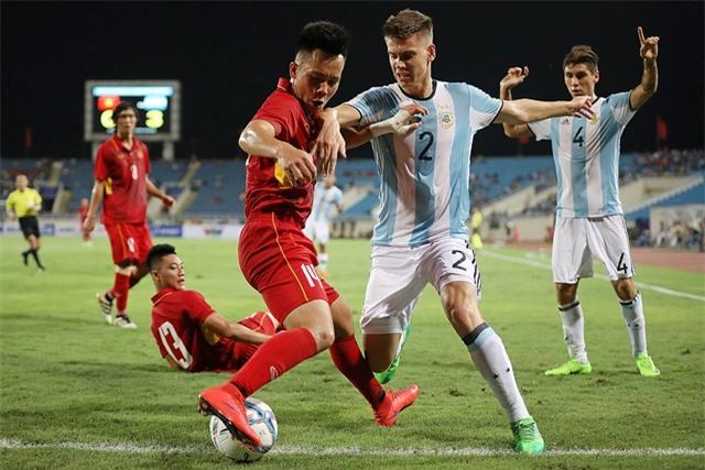 HLV Lê Thụy Hải đánh giá U23 Việt Nam nằm ở bảng quá mạnh