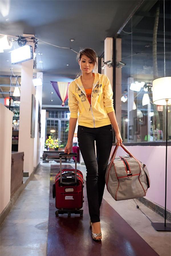 Từ mờ nhạt về nhan sắc lẫn phong cách thời trang, phải mất tận 7 năm Phạm Hương mới có chỗ đứng trong Vbiz - Ảnh 2.