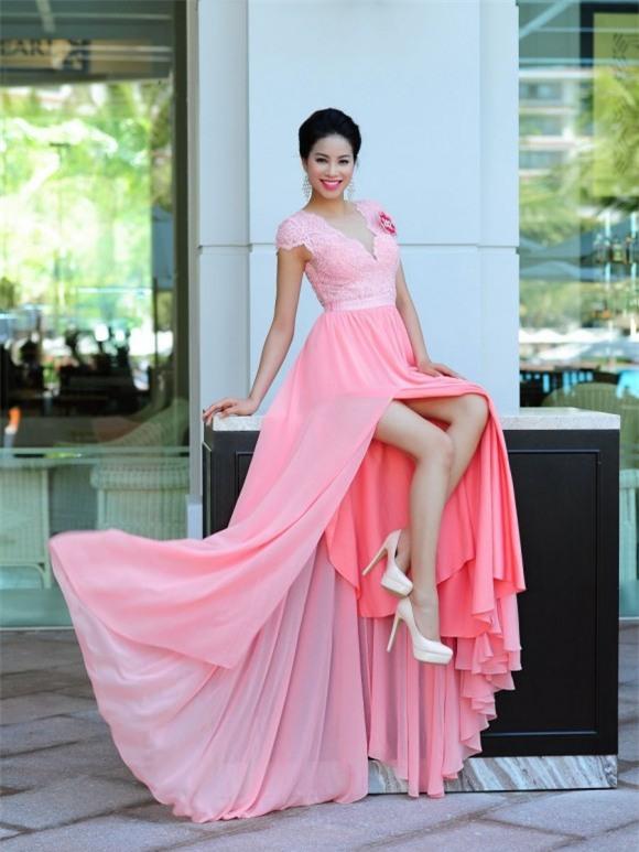 Từ mờ nhạt về nhan sắc lẫn phong cách thời trang, phải mất tận 7 năm Phạm Hương mới có chỗ đứng trong Vbiz - Ảnh 7.