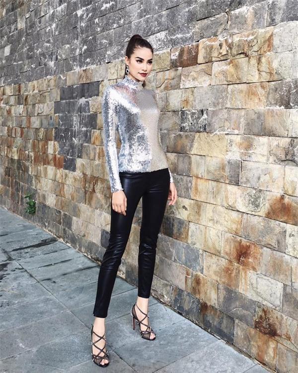 Từ mờ nhạt về nhan sắc lẫn phong cách thời trang, phải mất tận 7 năm Phạm Hương mới có chỗ đứng trong Vbiz - Ảnh 29.