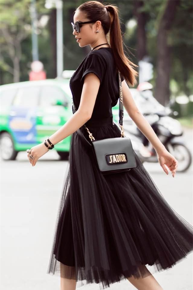Từ mờ nhạt về nhan sắc lẫn phong cách thời trang, phải mất tận 7 năm Phạm Hương mới có chỗ đứng trong Vbiz - Ảnh 35.