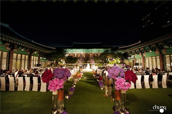 Hé lộ giá tiền tỷ mà Song Joong Ki - Song Hye Kyo bỏ ra để thuê địa điểm tổ chức đám cưới sang chảnh bậc nhất - Ảnh 3.
