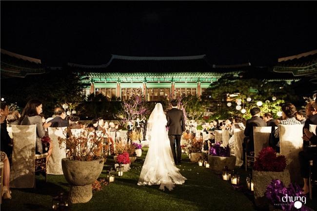 Hé lộ giá tiền tỷ mà Song Joong Ki - Song Hye Kyo bỏ ra để thuê địa điểm tổ chức đám cưới sang chảnh bậc nhất - Ảnh 5.
