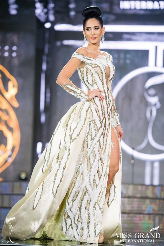 Khoảnh khắc khó hiểu: Miss Grand Bolivia bỏ đi khi MC công bố kết quả cuối cùng - Ảnh 4.