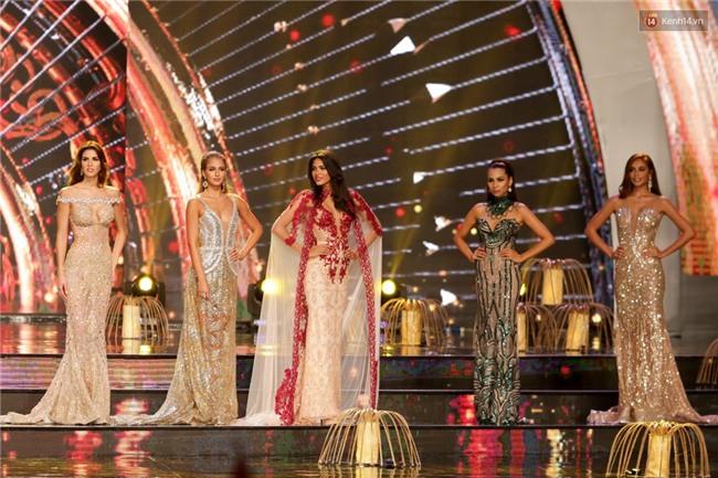 Khán giả bỏ về sau khi Huyền My trượt Top 5 tại Chung kết Miss Grand International 2017 - Ảnh 3.