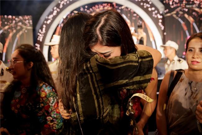 Kết thúc cuộc thi, Huyền My oà khóc nức nở khi chỉ dừng chân tại top 10 Miss Grand International 2017 - Ảnh 7.
