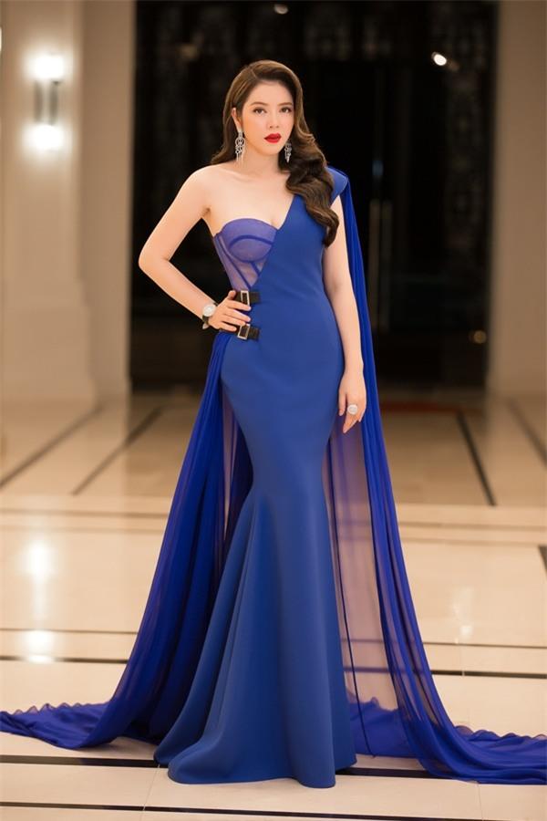 Lý Nhã Kỳ lộng lẫy như bà hoàng ngồi chấm Miss Grand International-1