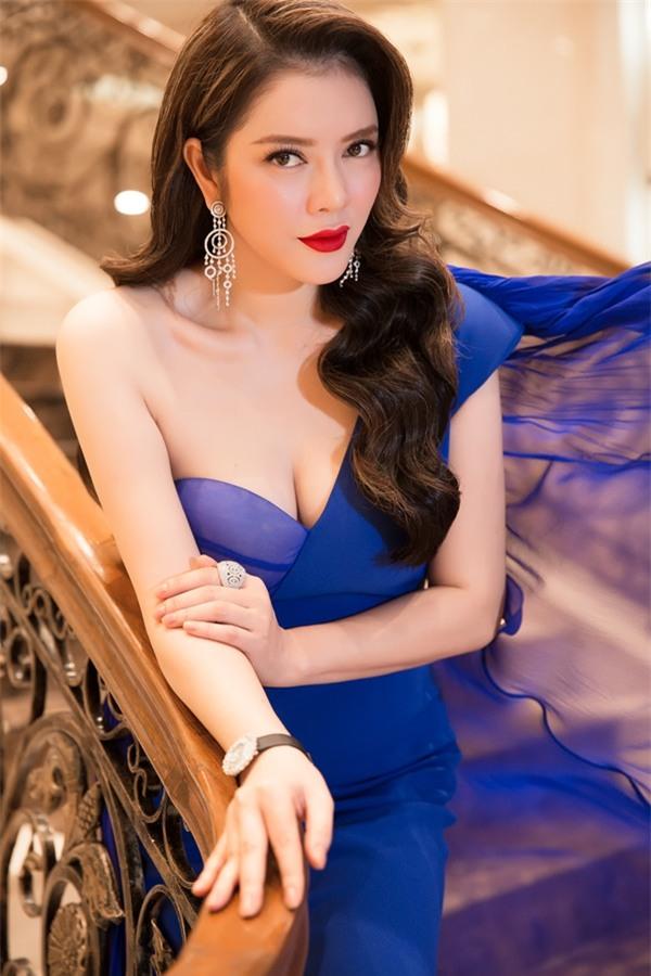 Lý Nhã Kỳ lộng lẫy như bà hoàng ngồi chấm Miss Grand International-6