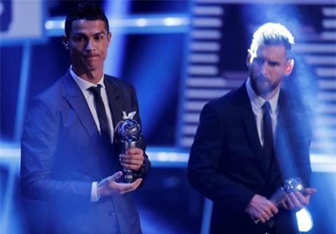 Hé lộ cuộc đối thoại thú vị giữa Messi và Ronaldo trước đêm trao giải The Best - Ảnh 2.
