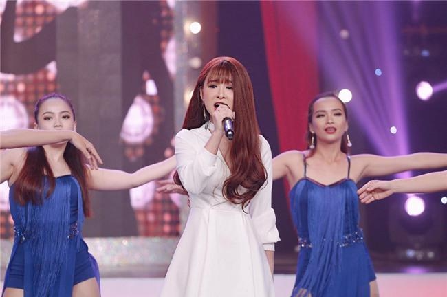 Hot girl cover Yến Tatoo: Khó xử khi được khen hát hay hơn Chi Pu-1