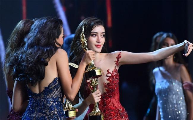 Đây là hình ảnh dập tắt thông tin Huyền My không thân thiện tại đêm chung kết Miss Grand International 2017 - Ảnh 3.