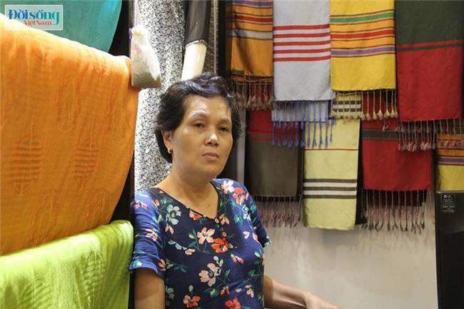 Chủ tịch làng nghề lụa Vạn Phúc: Khăn lụa Khaisilk hoán đổi nhãn mác là việc làm phi đạo đức