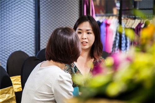 Kim Dung Next Top làm vedette trong fashion show của M.Y.M-1
