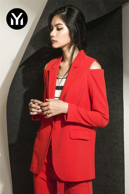Kim Dung Next Top làm vedette trong fashion show của M.Y.M-5