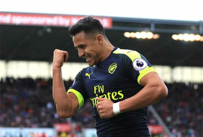 Arsenal bán Sanchez rẻ như cho: Barca vui, Man City – PSG phẫn nộ